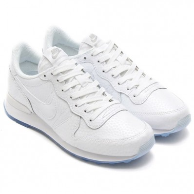 Shop nike internationalist blanche en soldes 235