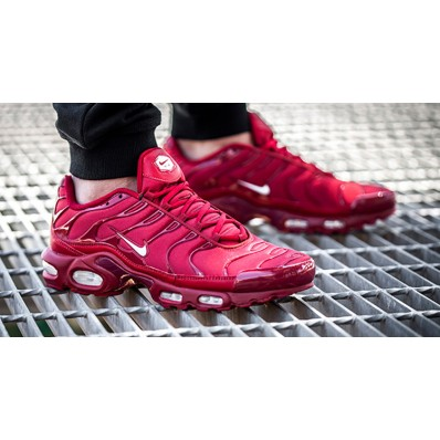 Site nike tn satin rouge destockage 37489