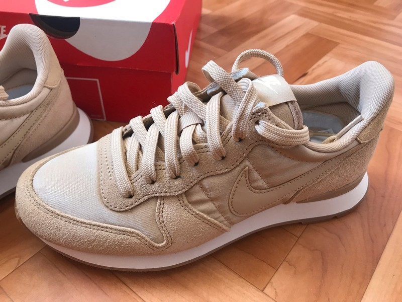 nike internationalist femme sezane