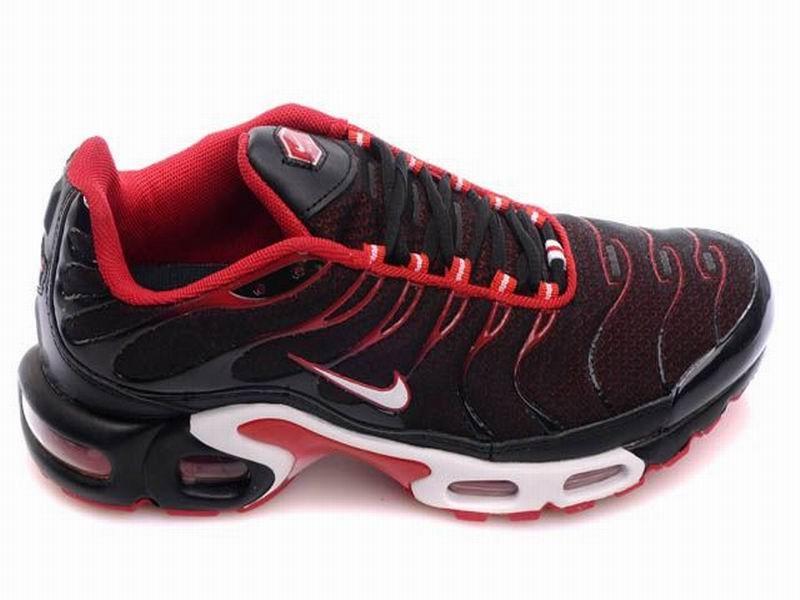 chaussure nike tn rouge et noir